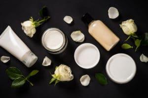 Creme e pomate per la cosmetica di viso e corpo